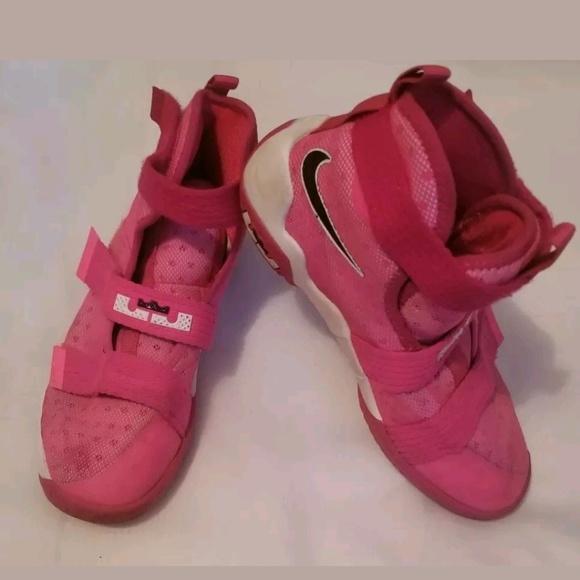 Nike Shoes   Nike Lebron Soldier X